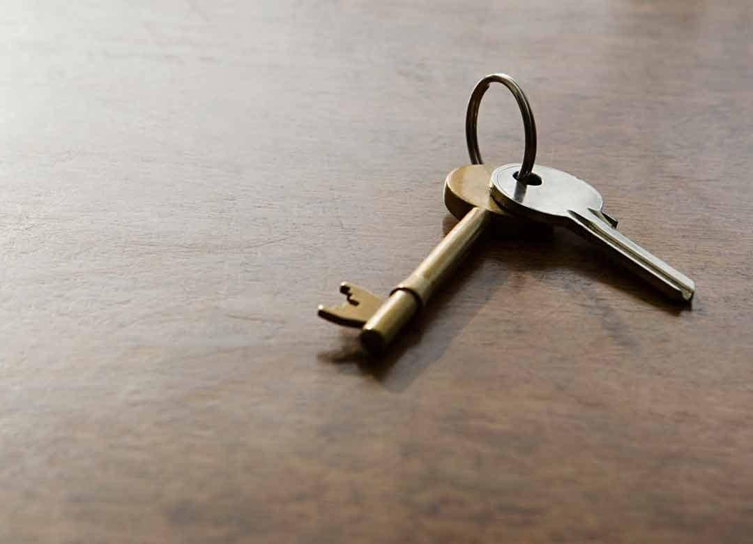 invest property bench keys